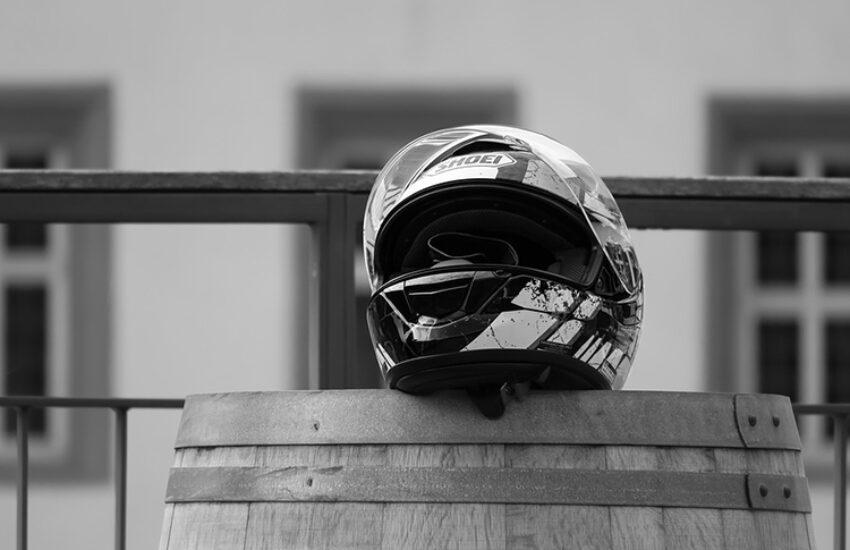 motorcycle-helmet-3731459_960_720