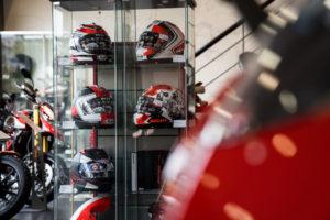 _30_Ducati_Kawasaki