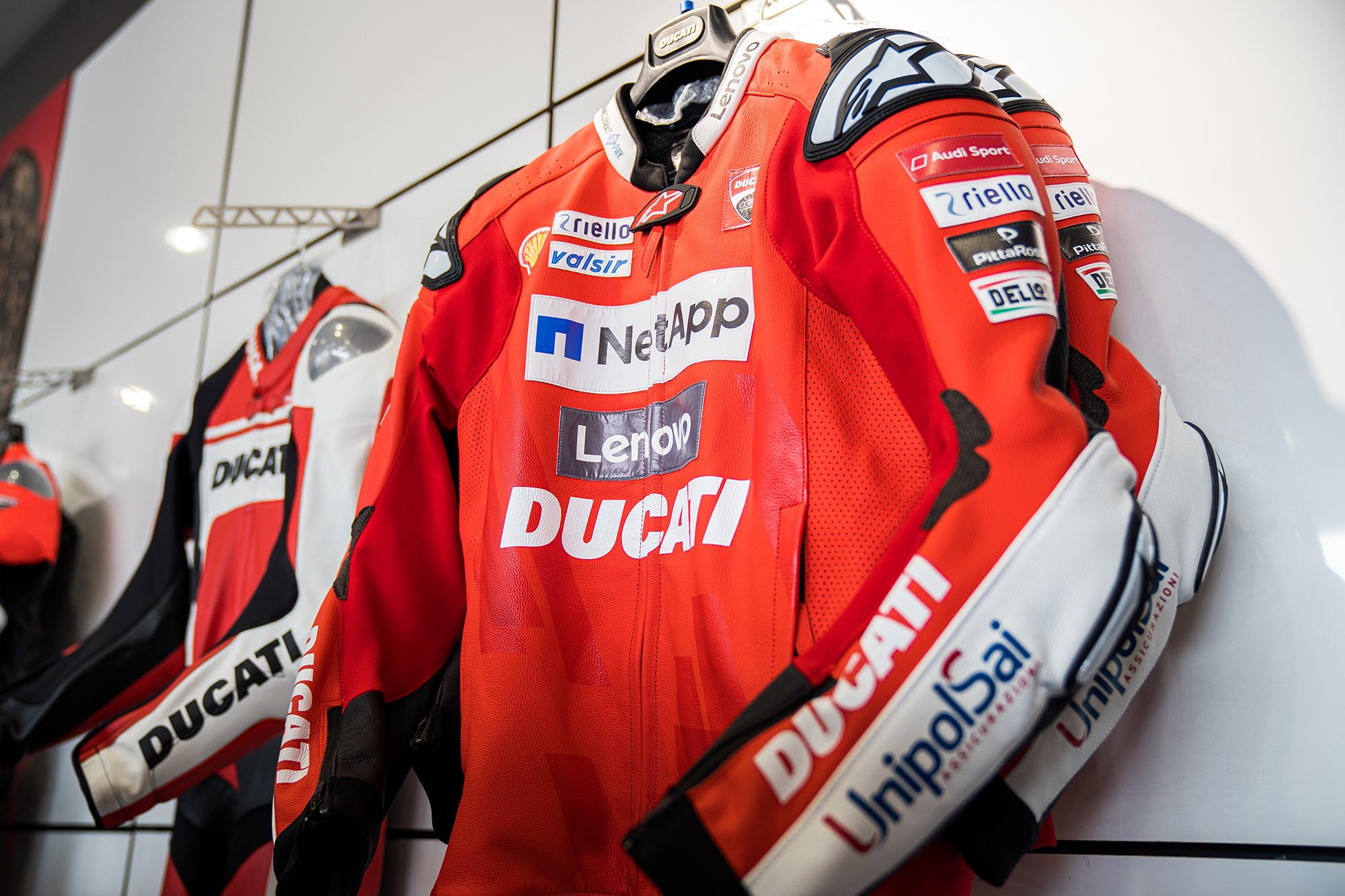 _31_Ducati_Kawasaki