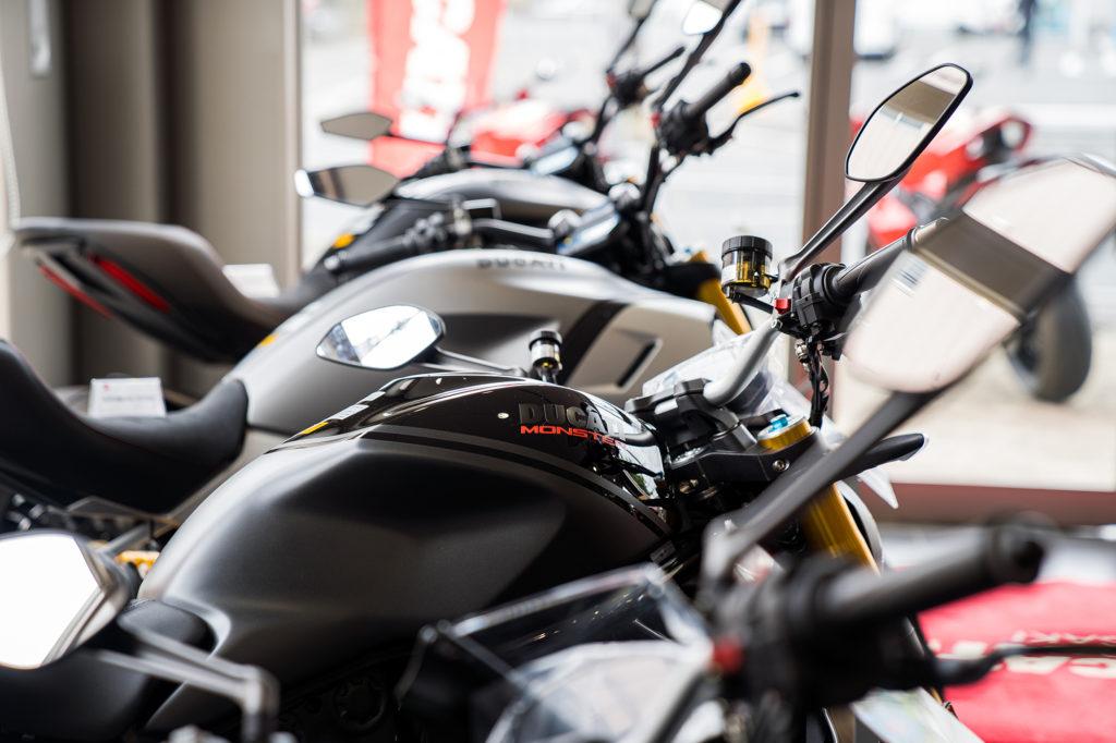 _36_Ducati_Kawasaki