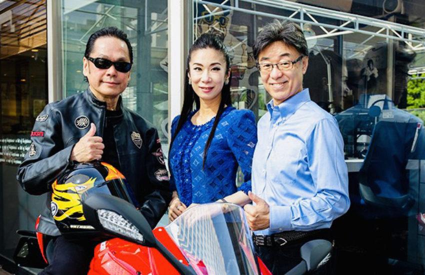 バイクと先生と稲井と由結